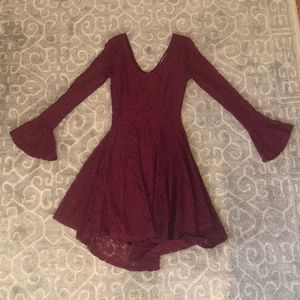 American Rag Juniors Burgundy Bell-Sleeve Lace Fit
